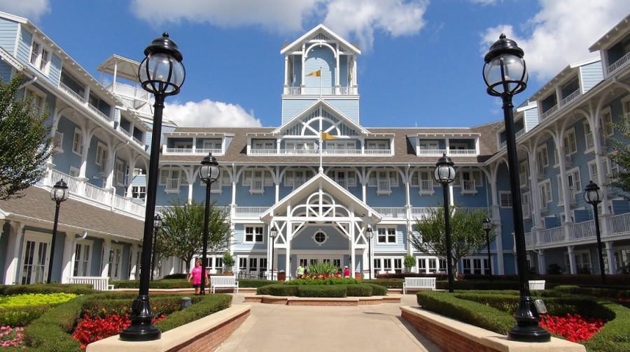 Heading to Disney World and wondering where to stay? Learn first hand from those who have been there on where to stay when visiting the Walt Disney World Resort. Disney World Resorts | Travel Tips for Walt Disney World | Disney Travel Tips | Traveling to Walt Disney World | How to Save Money at Walt Disney World | Disney World Lodging