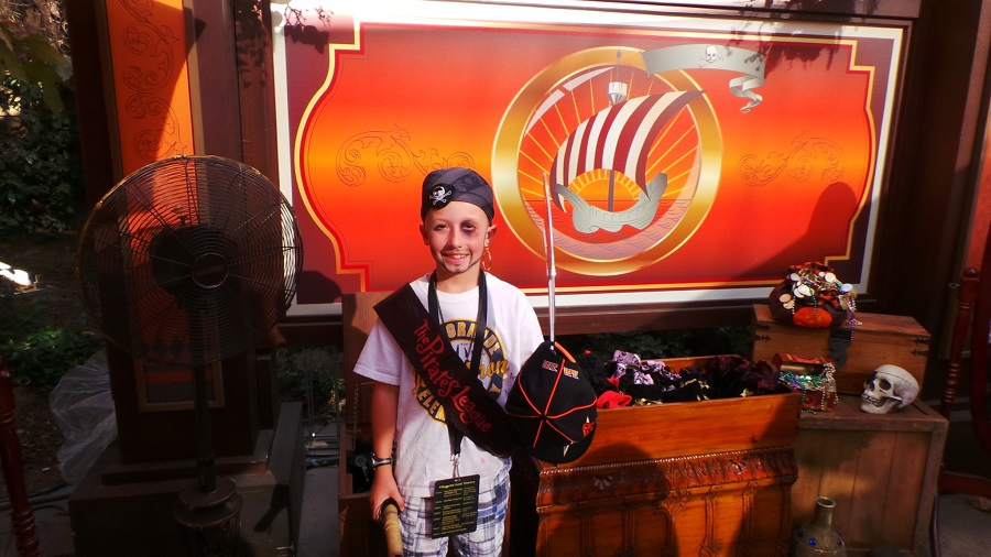 Do you want to know what to expect with a Pirates League Makeover at Disneyland so you can determine if it's a fit for your child?