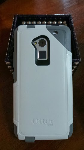 Wondering just what is the difference between Otterbox Defender and Commuter Cases? Our comparison review shows you how they compare side by side.