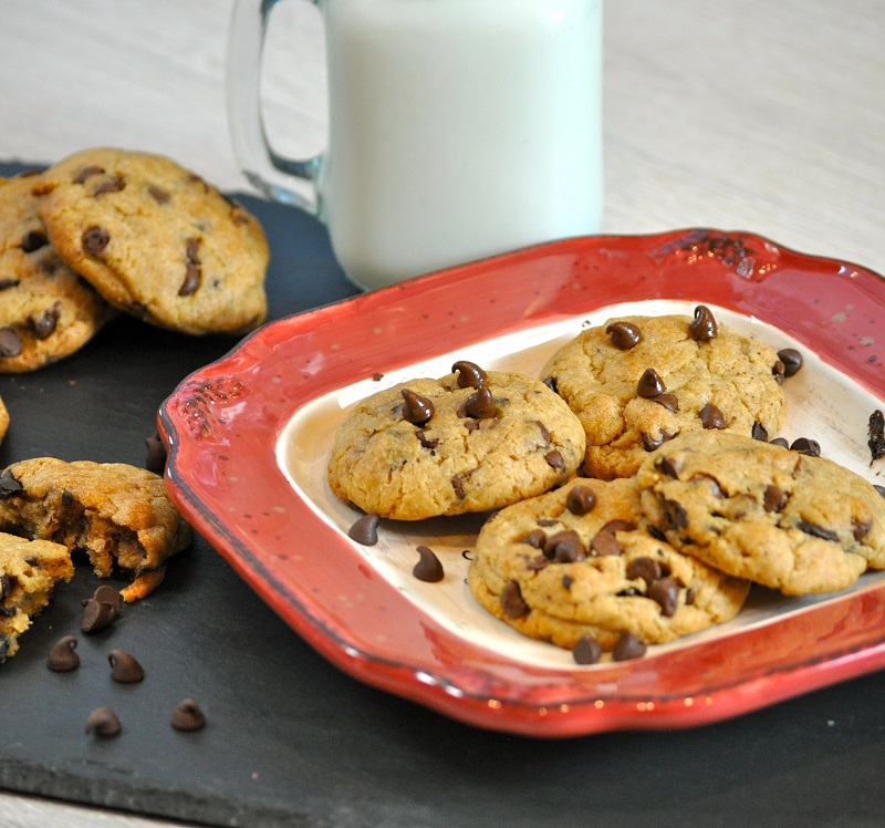 Make these eggless chocolate chip cookies for someone with egg allergies and show them they do not have to give up dessert just because of a food allergy. Eggless Cookie Recipes | Allergy Cookie Recipes | Healthy Cookie Recipes | How to Make Chocolate Chip Cookies without Eggs