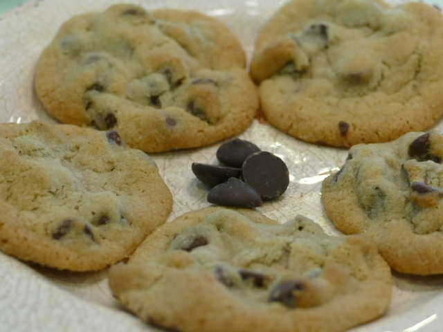 This famous chocolate chunk cookie recipe can also be made with chocolate chips if you are out of chunks and is guaranteed to be the best cookie recipe in your home. Cookie Recipes   Chocolate Recipes   Best Chocolate Chip Cookie Recipes   Cookie Recipes for Kids