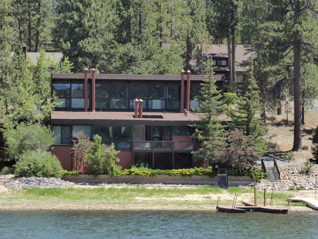 9 Celebrity Homes to See on Big Bear Lake