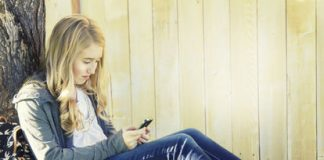 Minimize Distracted Driving for Teens with these 3 Tips