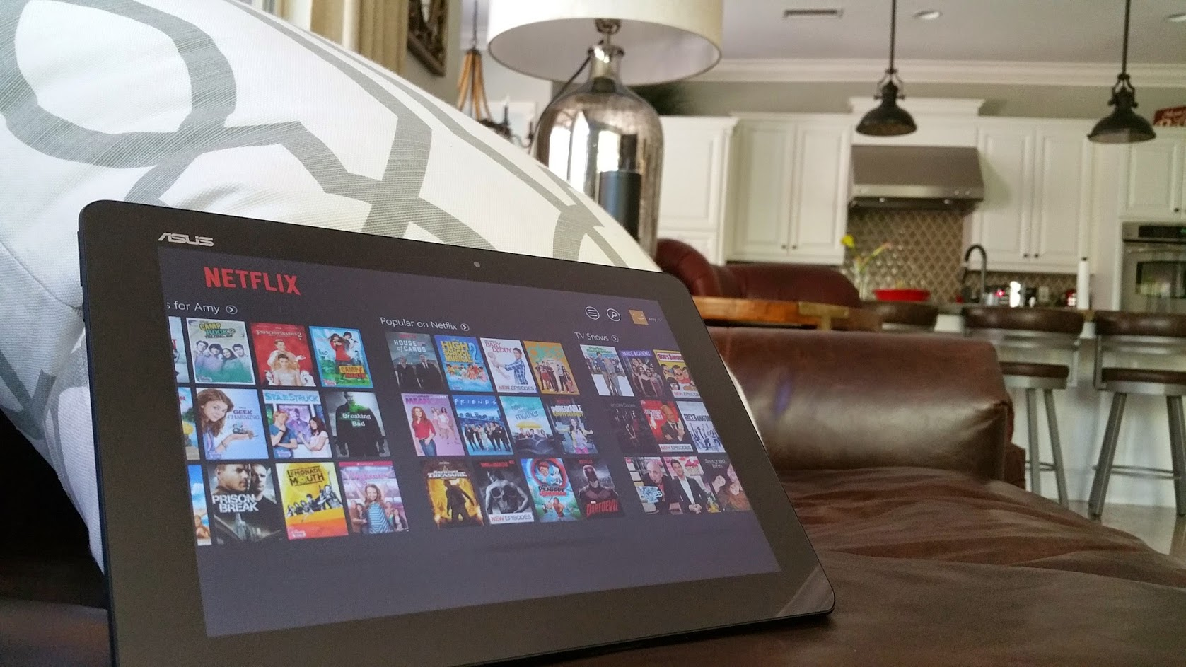 Asus Transformer Book to watch movies in tablet mode