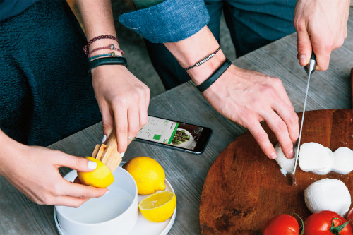 Jawbone Up Keeps you on Track for Fitness