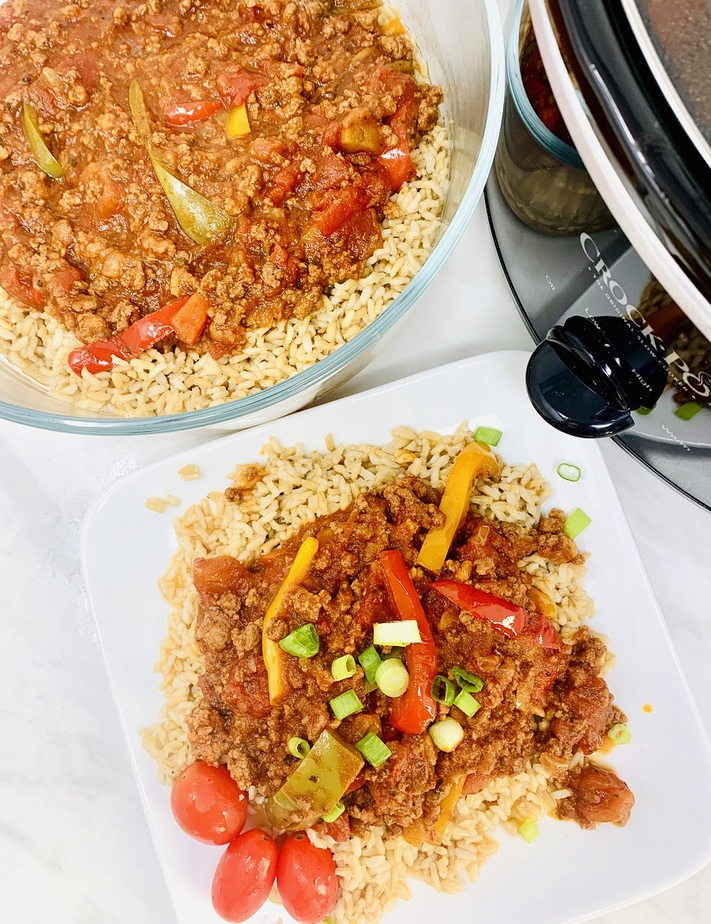 Slow Cooker Beef and Brown Rice Recipe Overhead View of Beef and Rice on a Plate