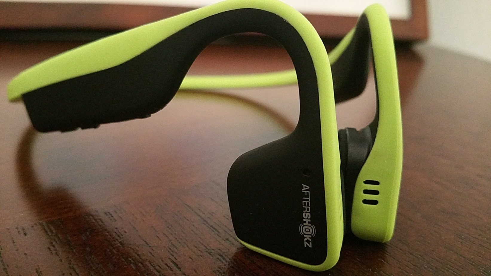 There are benefits of bone conduction headphones but it is good to know if they are safe and how they actually work so you can decide if they are right for you.
