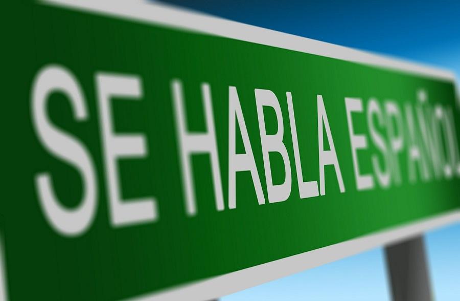 April Fools Prank Ideas for Friends Road Sign That Says Se Habla Espanol