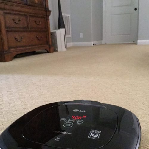 There are many reasons to love the LG Hom Bot Square as the robot vacuum for your home!