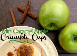 Mini Apple Crumble Cups are so easy to make and they're delicious! They'll be your go-to dessert option for parties, weeknight desserts, holiday gatherings, and family events. Holiday Recipes | Fall Recipes | Easy Recipes | Dessert Recipes | Apple Pie Recipes | Easy Fall Recipes