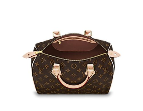 Classic Louis Vuitton bags can not only stand the test of time but make a mark on every season with a style that is all your own.