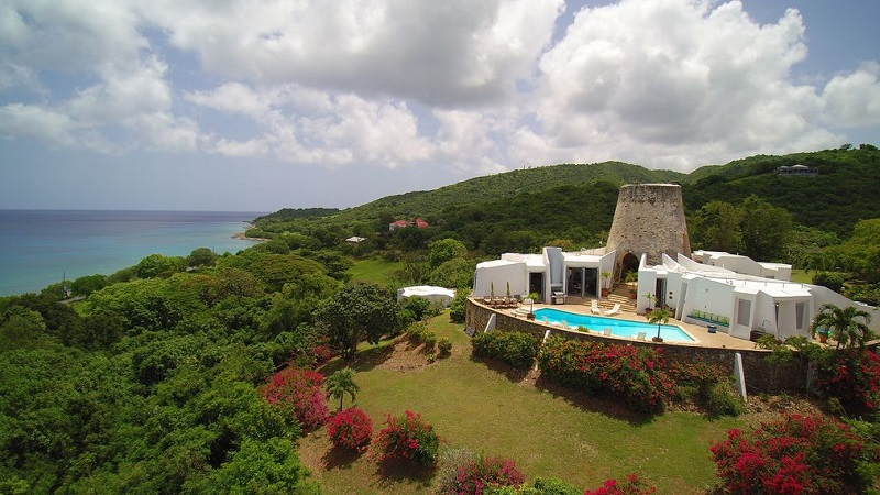 If you want an opportunity to customize your vacation, then vacation rentals in US Virgin Islands are a picture perfect place to start. What is a Vacation Rental | US Virgin Islands Travel Ideas | Where to Stay on the US Virgin Islands | Island Travel Ideas | Travel Tips | Vacation Rental Tips