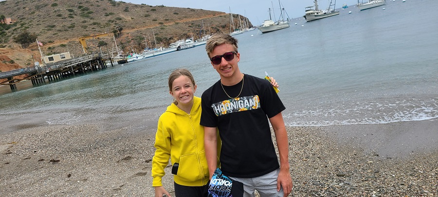 Catalina Island Boating Tips Two Kids on a beach on Catalina Island