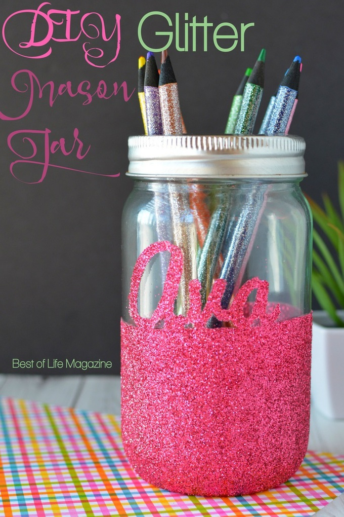 Add some sparkle to any room with this fun DIY Glitter Mason Jar! It can hold pencils, tealight candles, or just about anything you want! DIY Crafts | Mason Jar Crafts | Glitter Crafts | Mason Jar Ideas | DIY Home Ideas #DIY