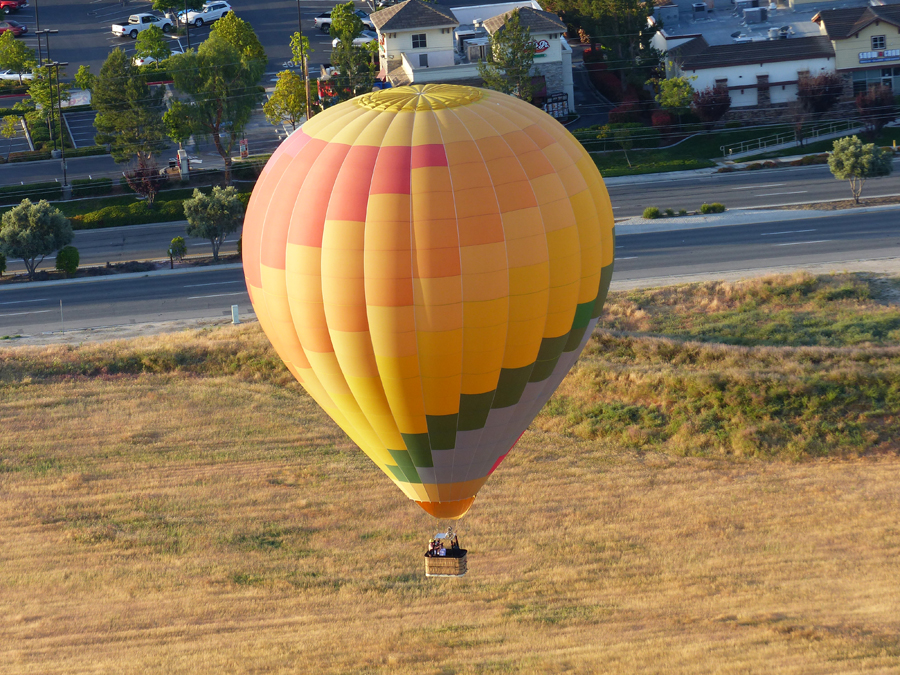 Hot air balloon rides are a bucket list item for many people. If you find yourself wondering what to expect on a hot air balloon ride, you are not alone.