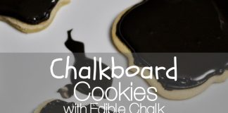 Make these chalkboard cookies with edible chalk to express your feelings on any holiday. They make the perfect teacher gift from your child, too! Craft for Kids | Activities for Kids | Halloween Food | Holiday Recipes | DIY | DIY Food | Holiday Gifts