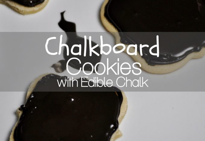 Make these chalkboard cookies with edible chalk to express your feelings on any holiday. They make the perfect teacher gift from your child, too! Cookie Recipes | Edible Chalk Recipe | Recipes for Teachers | Snack Recipes