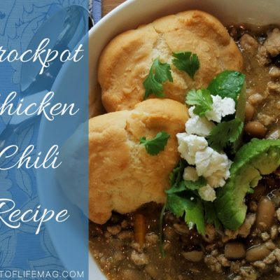Add this crockpot chicken chili into your meal plan for easy weeknight meals. This chicken chili is perfect for large groups, football games, and parties! Crockpot Recipes | Meal Planning Recipes | Party Food | Chicken Chili | Crockpot Chili | Football Party Food