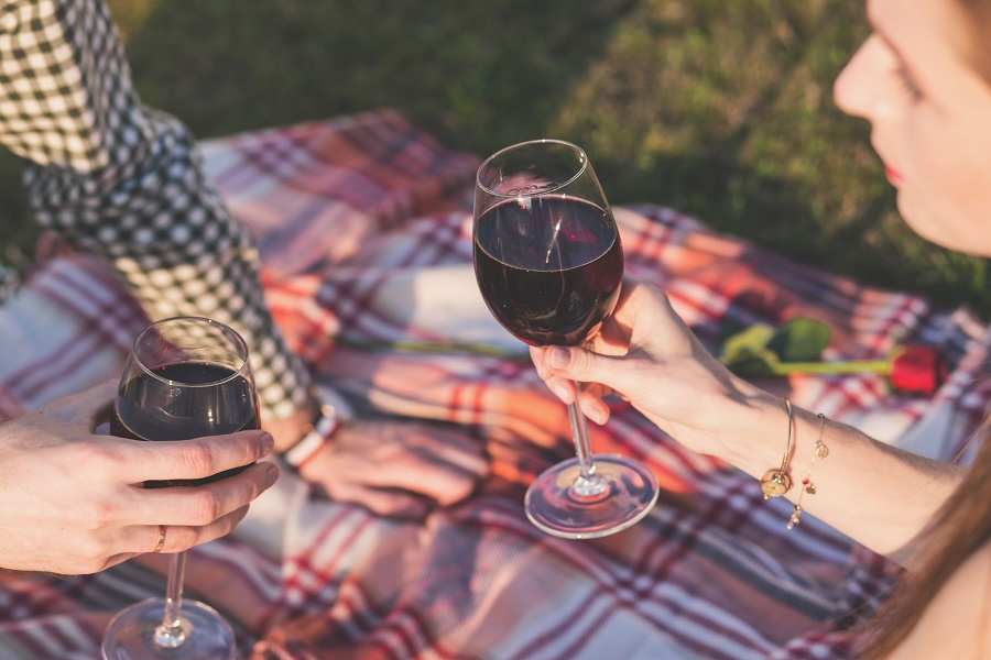 Getting impressive red wines doesn't mean spending an arm and a leg on one bottle, you can easily find a great tasting wine for under $35. Best Red Wines | Cheap Red Wines | Red Wines for Parties | Wine Parties | Happy Hour Wines
