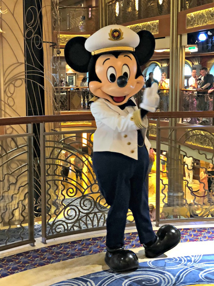 Take your Disney vacation to the next level by experiencing both land and sea adventures with a trip to Disney World and a Disney cruise in one excursion. Disney Vacation Tips | Tips for a Disney Vacation | Disney Vacation Ideas | Disney Cruise Tips | Disney World Tips | Things to do on a Disney Cruise | Things to do at Disney World
