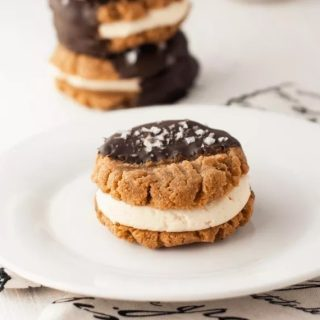 What if you are committed to eating low carb or keto but gotta have your chocolate fix? No judgment here. Instead, feast your eyes on these 15 best low carb and keto chocolate dessert recipes. Easy Keto Chocolate Dessert Recipes | Best Keto Chocolate Dessert Recipes | Easy Low Carb Chocolate Dessert Recipes | Easy Keto Chocolate Dessert Recipes