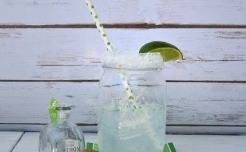Make this DIY margarita in a jar gift for your tequila-loving friends on any occasion! Margarita in a Jar How to   How to Make a Margarita in a Jar   Best Gift Ideas   Best DIY Gift Ideas #DIY #Margarita #MargaritaRecipes #DIYCrafts #DIYGift #GiftIdeas #Gift