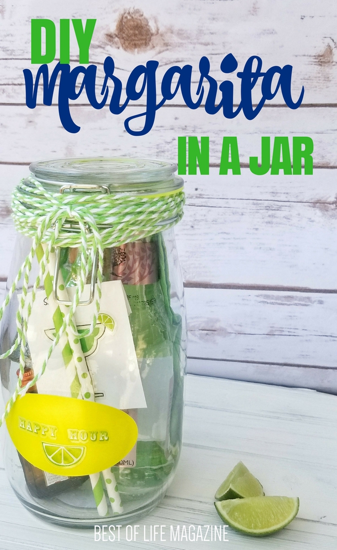 Make this DIY margarita in a jar gift for your tequila-loving friends on any occasion! Margarita in a Jar How to | How to Make a Margarita in a Jar | Best Gift Ideas | Best DIY Gift Ideas #DIY #Margarita #MargaritaRecipes #DIYCrafts #DIYGift #GiftIdeas #Gift