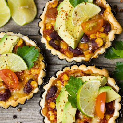 These 10 2B Mindset Veggies Most lunches for work are made to be simple and delicious and best of all, portable so you have two weeks of 2B Mindset friendly recipes anywhere. #2bmindset #2bmindsetrecipes #veggiesmost #healthy #healthyrecipes #healthylunches #weightloss #weightlossrecipes #beachbody #beachbodyondemand #beachbodyrecipes