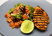 These 25 make ahead, low fuss and portable low carb chicken recipes take minimal time and ingredients, but have a ton of flavor. #recipes #lowcarbrecipes #chickenrecipes #lunchrecipes #healthyrecipes #weightloss #weightlossrecipes