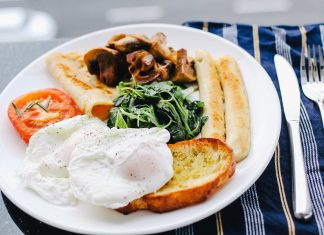 These easy 2B Mindset breakfast recipes are the perfect way to start your day of healthy living. #2BMindset #Beachbody #breakfast #recipes #breakfastrecipes #2BMindsetbreakfast #2BMindsetrecipes #weightloss #weightlossrecipes #healthyrecipes #healthybreakfast