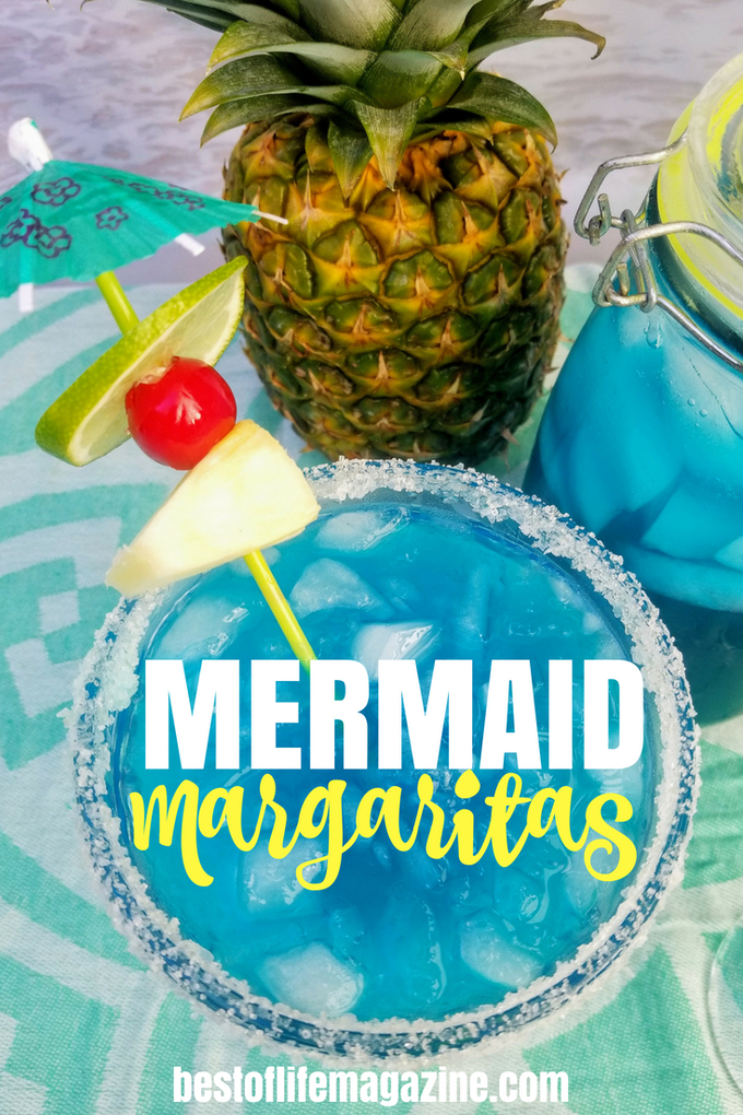 Mermaid inspiration comes in many forms including a bright and colorful mermaid margarita! Blue margaritas like this mermaid margarita are perfect for summer gatherings and backyard barbecues! #margaritas #happyhour #cocktails | Mermaid Margaritas | Mermaid Cocktails | Best Margarita Recipes | Easy Margarita Recipes