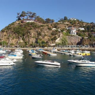 No matter how you define luxury knowing the best places to stay on Catalina Island will fit your luxurious needs and wants for your island getaway. #catalinaisland #travel #California | Best Places to Stay on Catalina Island | Catalina Island Travel Tips | Luxury Travel Tips | Things to do in California