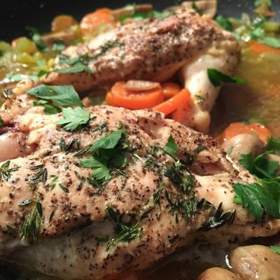 Crockpot recipes with chicken for weight loss will not only help you lose weight they will also help you stay on track with your weight loss with exciting new dishes every night. #chicken #chickenrecipes #crockpot #crockpotrecipes #weightloss #weightlossrecipes #healthy #healthyrecipes #slowcooker #slowcookerrecipes