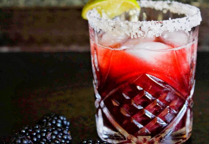 These blackberry lemonade margaritas are full of flavor, but not too sweet, making them the perfect go to cocktail for any afternoon or happy hour. Blackberry Margarita Recipe | Lemonade Margarita Recipe | Summer Margarita Recipe | Tequila Cocktail Recipe #margaritas #cocktails #tequila #recipes