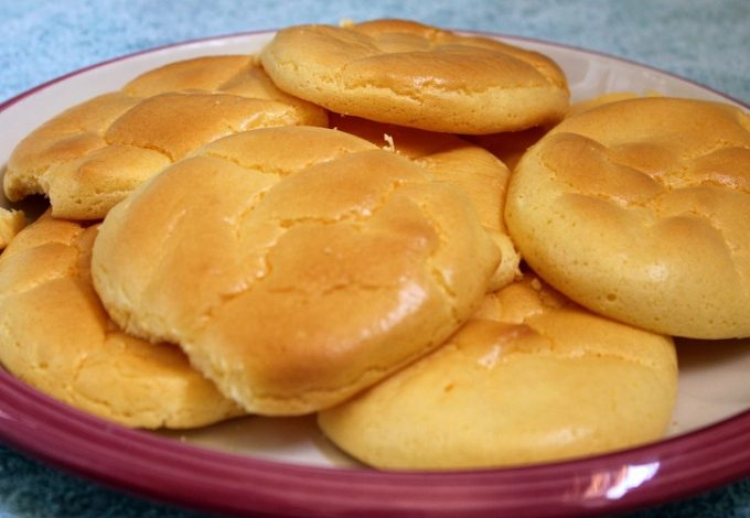 The best low carb cloud bread recipes can help you enjoy bread again and keep you losing weight in a healthy way. What is Cloud Bread | How to Eat Bread on a Diet | Low Carb Bread Recipe | Low Carb Recipes | Weight Loss Recipes | How to Lose Weight