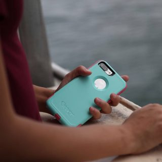 There are differences that are important to know when you compare the Otterbox Defender Pro vs Defender cases; knowing these before you buy will help you choose the right smartphone case. Otterbox Review | What is Otterbox | Otterbox Case Review | Otterbox Defender Review | Otterbox Defender Case