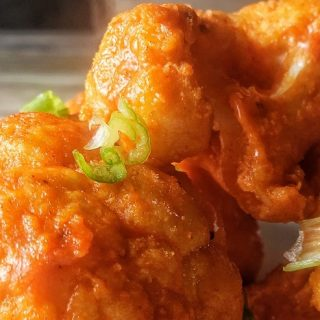 Low carb cauliflower bites are the perfect buffalo wings alternative that make the perfect healthy side dish or meal on their own. Low Carb Recipes | Low Carb Appetizers | Low Carb Snacks | Low Carb Party Recipes | Keto Recipes | Keto Snacks