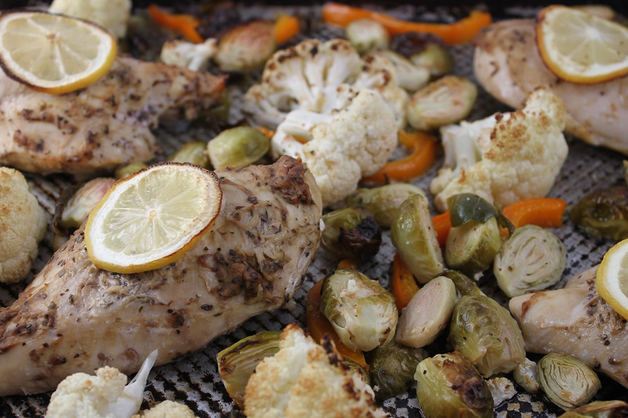 If it's a busy weeknight and you are short on time, use this chicken and veggies sheet pan dinner recipe and you will have food on the table in no time. Dinner Recipes | Quick Dinner Recipes | How to Make Dinner Quickly | What to Make for Dinner | How to Cook Chicken