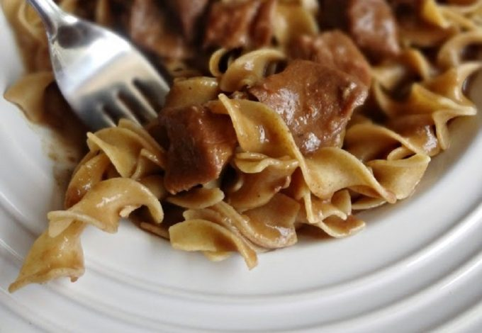 These dairy free beef stroganoff crockpot recipes are proof that you can live a healthy, non-dairy life and still enjoy delicious foods you crave. How to Make Dairy Free Stroganoff | How to Make Recipes Dairy Free | Dairy Substitutes | How to Use a Crockpot | Slow Cooker Dairy Free Recipes