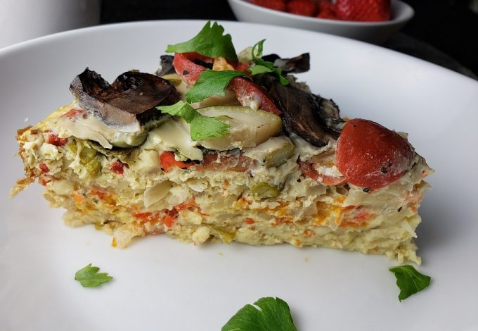 Making a low carb overnight breakfast casserole is a helpful way to make sure you have a healthy breakfast to start the next day! Plus, this healthy low carb crockpot recipe is easy to make! Make-Ahead Low Carb Breakfast Casserole | Keto Breakfast Casserole Spinach | Breakfast Casserole with Hash Browns | Breakfast Casserole with Potatoes