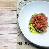This delicious low carb zoodles and meat sauce recipe will help you enjoy a classic dish with a healthier twist and this is a keto diet friendly recipe, too! Keto Zoodle Recipes | Keto Pasta Recipe | Low Carb Spaghetti Recipe | Zoodle Spaghetti | Low Carb Diet Recipes | Keto Diet Recipes