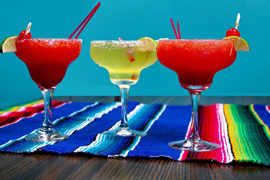 DIY margarita glasses make great gifts and allow you to celebrate and share the love of tequila and margaritas with others. How to Paint Glass | How to Design Margarita Glasses | How to Paint Glass Jars | How to Cure Paint on Glass | Acrylic Paint on Glass Permanently | How to Seal Acrylic Paint on Glass