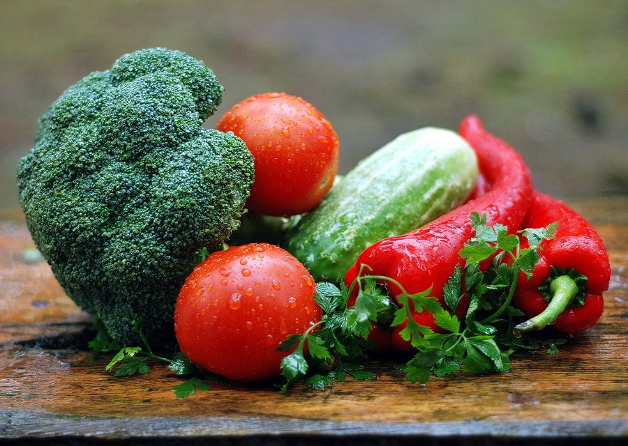 2B Mindset Meal Plan Ideas for Lunch Close Up of Vegetables and Fruits That Are Wet
