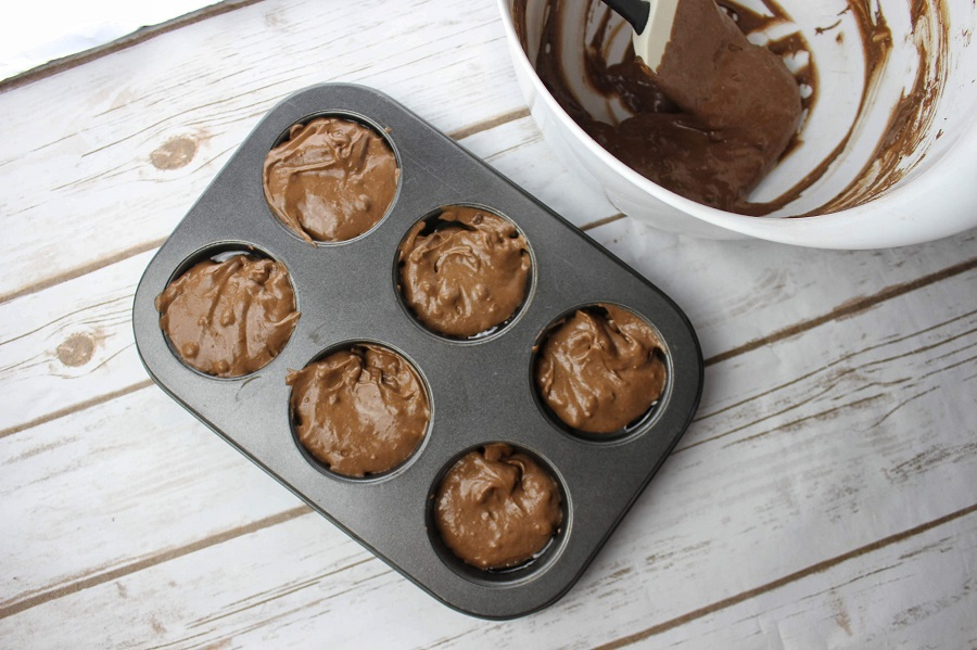 Start your day on a low carb diet with these delicious low carb breakfast muffins with coconut flour that easily fit into any keto or low carb diet. Make Ahead Low Carb Breakfast | Grab and Go Low Carb Muffins | Keto Muffins | Healthy Breakfast Muffins | Keto Breakfast Muffins Sweet