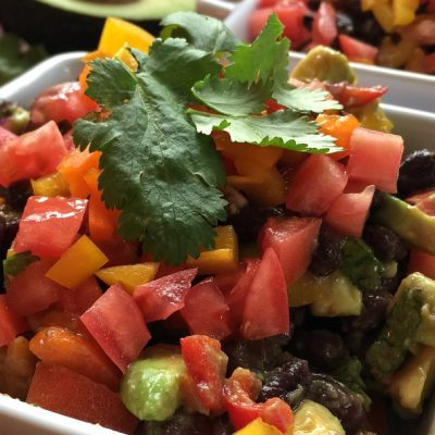 2B Mindset cowboy caviar is a versatile low carb vegetarian snack that can be used as a side dish, with chips and dip, and is perfect for a filling meatless Monday recipe! 2B Mindset Dips | Healthy Dip Recipes | Beachbody Snack Recipes | Low Carb Cowboy Caviar | Keto Snack Recipes | Keto Cowboy Caviar