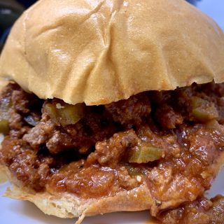 Slow cooker sloppy Joes with ground beef takes a classic, family favorite recipe and turns it into an even easier crockpot recipe. Crockpot Sloppy joes for a Crowd | Crockpot Sloppy Joe Casserole | Sloppy Joes for Tailgates | Messy Sloppy Joes | Classic Sloppy Joes Recipe