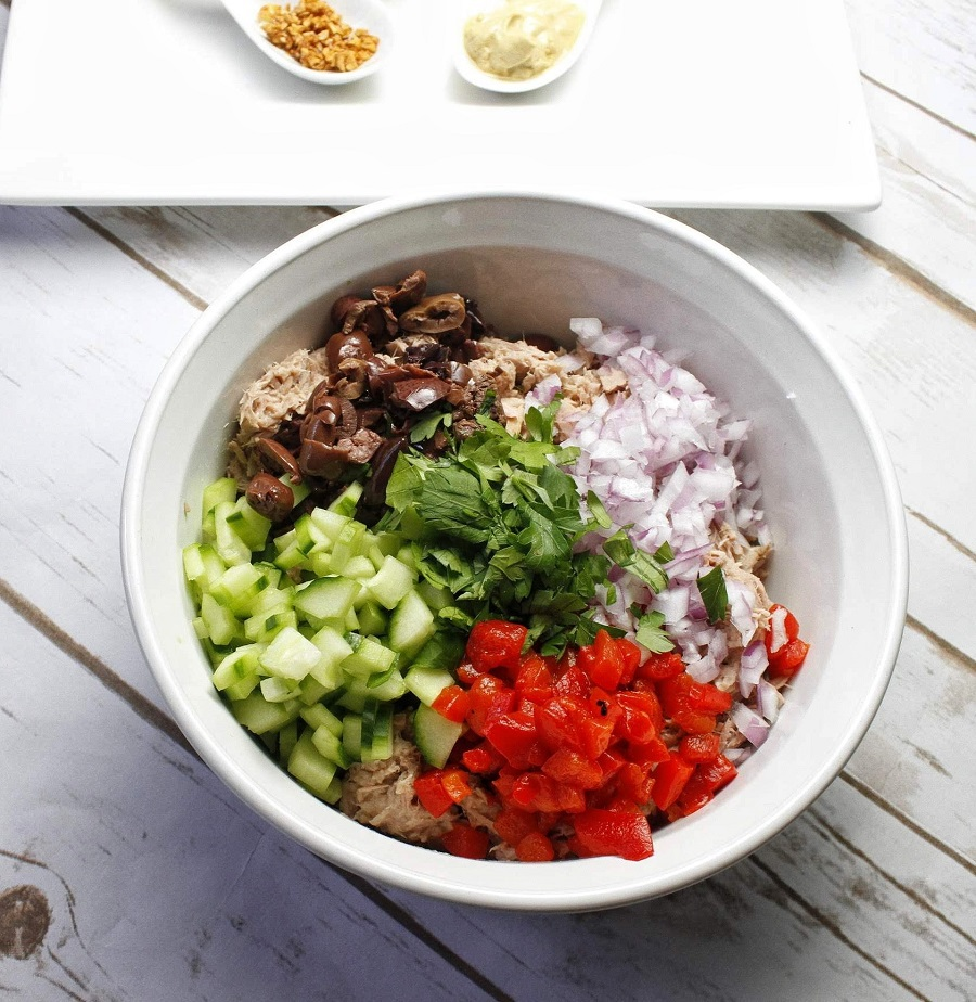 Low carb recipes like this low carb tuna salad recipe can help you boost fat burning and weight loss. It is also easy to make and pack for an easy snack or lunch on the go. Low Carb Salads with Tuna | Low Carb Salad Dressing | Keto Salads for Lunch | Keto Side Salad | Keto Recipes for Work | Keto Tuna Recipes