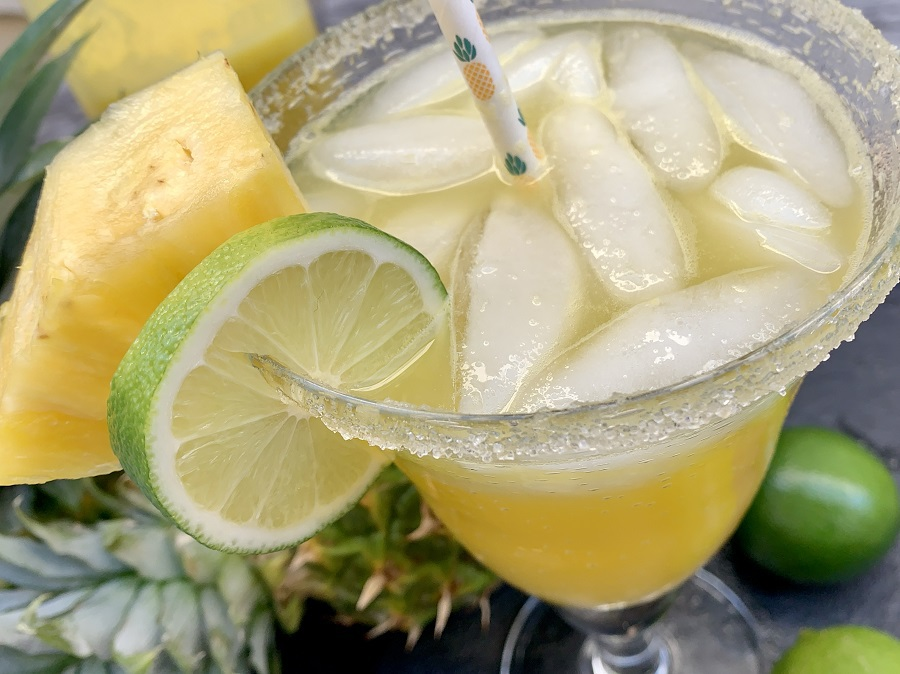How to Make Fresh Pineapple Juice Glass Filled with Pineapple Margaritas