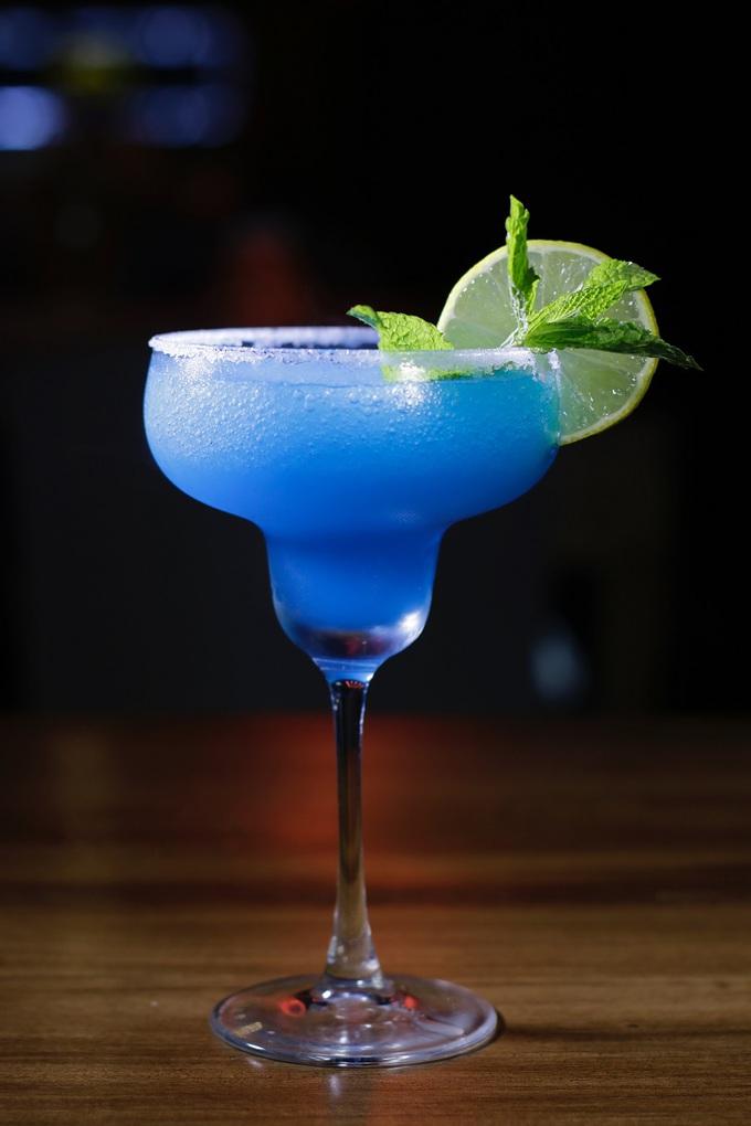 Margarita Pitcher Recipes Close Up of a Blue Margarita