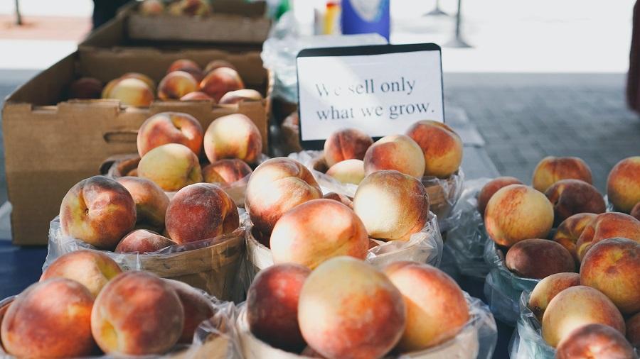 Crockpot Peach Cobbler Recipes Barrels of Peaches